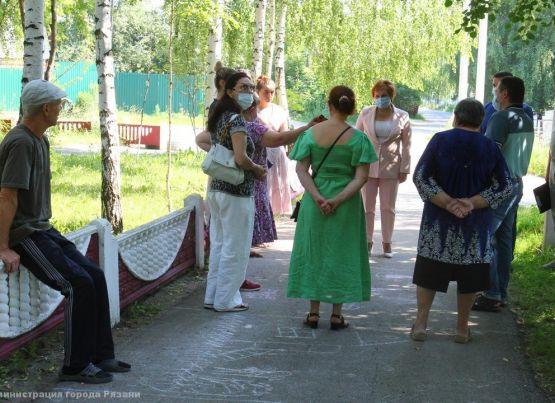 Елена Сорокина встретилась с жителями Никуличей по вопросам благоустройства поселка